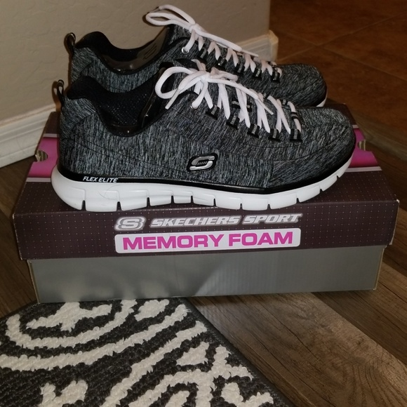 marketable quality buy cheap Womens size 10 Wide Memory Foam Sketchers NWT